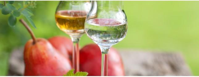 Liköre und Destillate